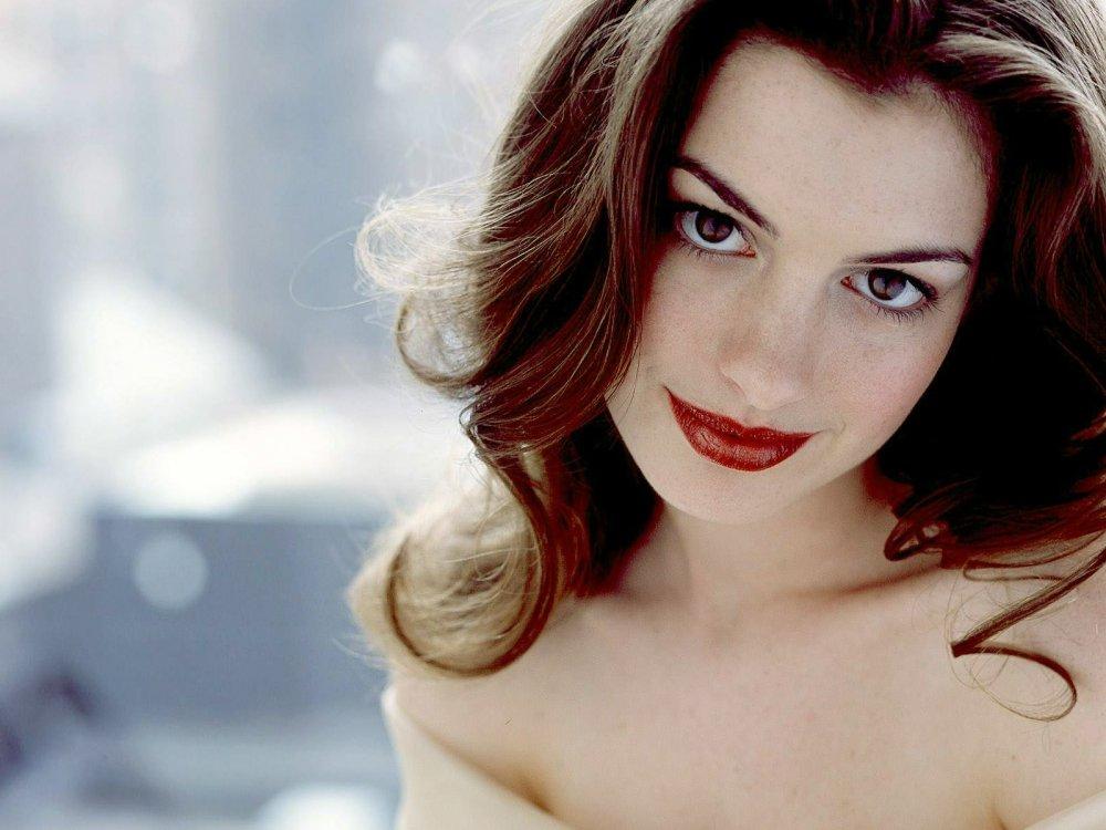 Anne+Hathaway.jpg