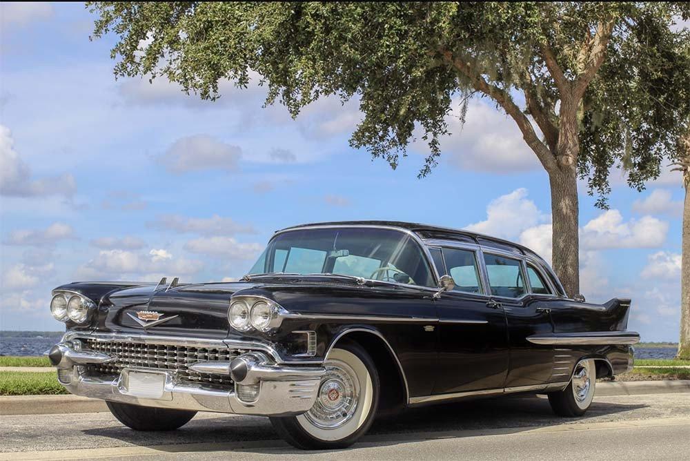 1958-Cadillac-Fleetwood-Series-75-Limousine.jpg