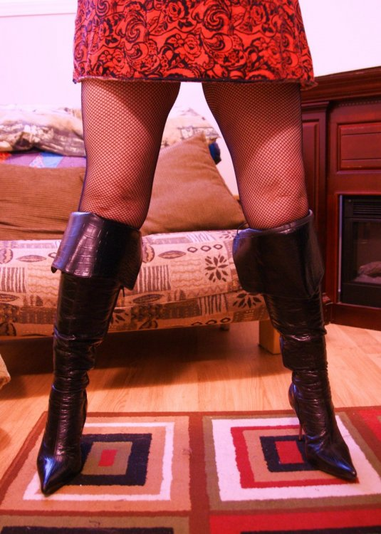 Angela Standing Boots.JPG
